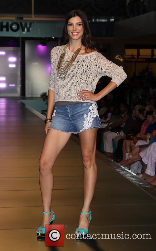 Camila Alves and Model 5