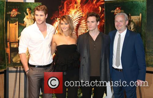 Liam Hemsworth, Jennifer Lawrence, Sam Claflin and Francis Lawrence 4