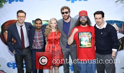 Jason Sudeikis, Aziz Ansari, Amanda Seyfried, Chris O'dowd, Judah Friedlander and Colin Farrell 7