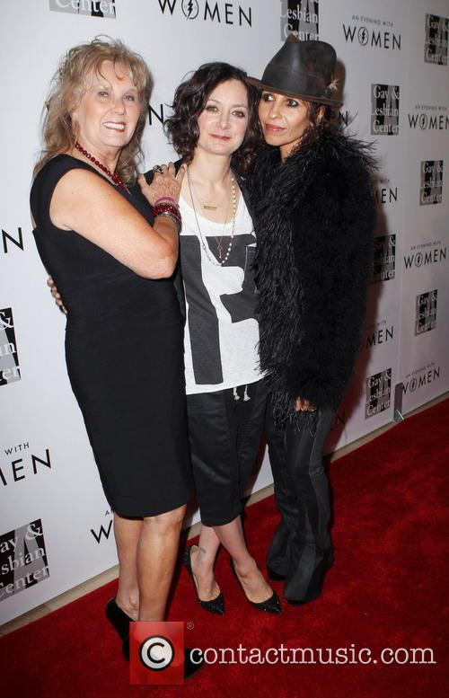 Sara Gilbert and Linda Perry 8