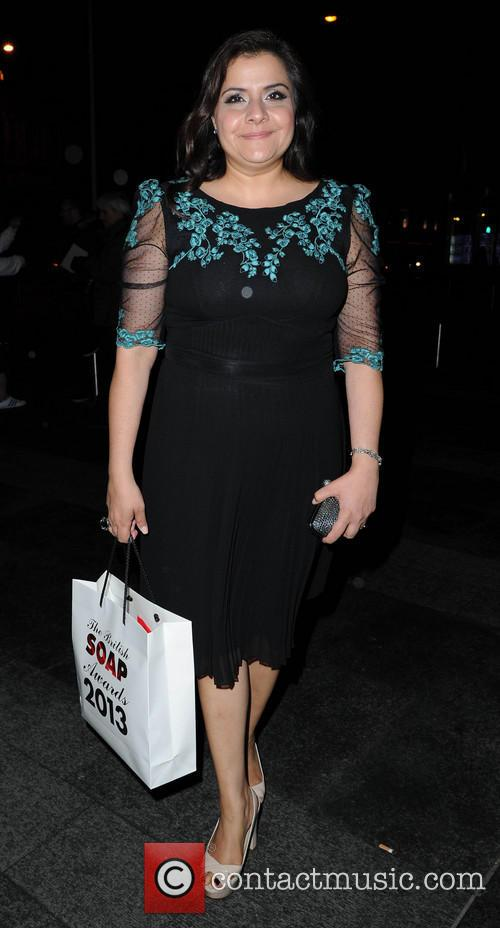 nina wadia celebrities arriving back at their 3673091