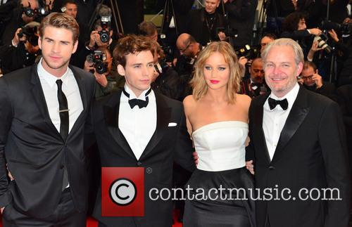 Liam Hemsworth, Jennifer Lawrence, Sam Claflin and Francis Lawrence 3
