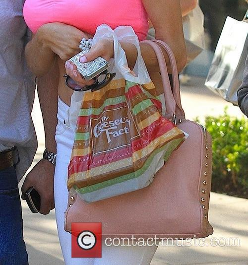 Courtney Stodden seen Leaving the Cheecake Factory
