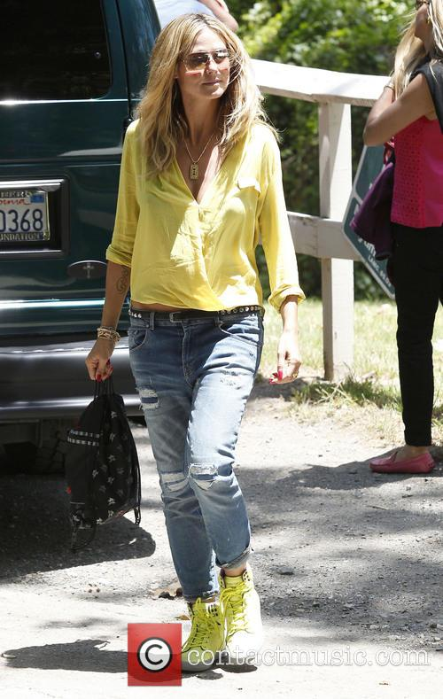 Heidi Klum watches her daughter Leni play soccer