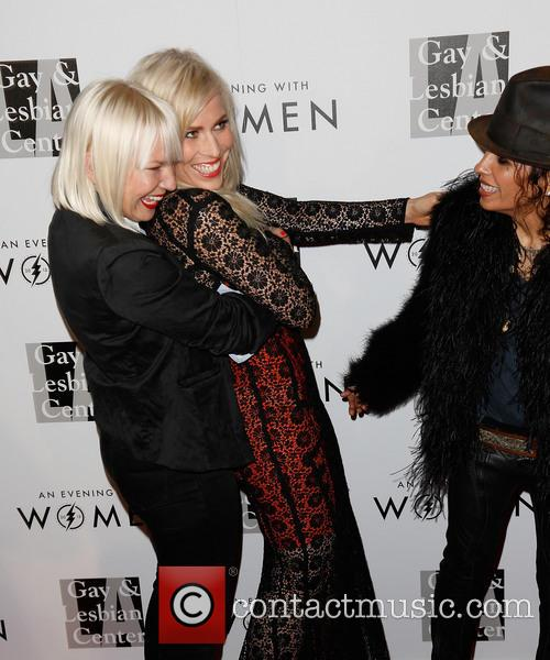 Sia, Natasha Bedingfield and Linda Perry 6