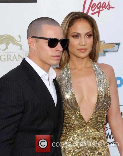 Casper Smart and Jennifer Lopez 5