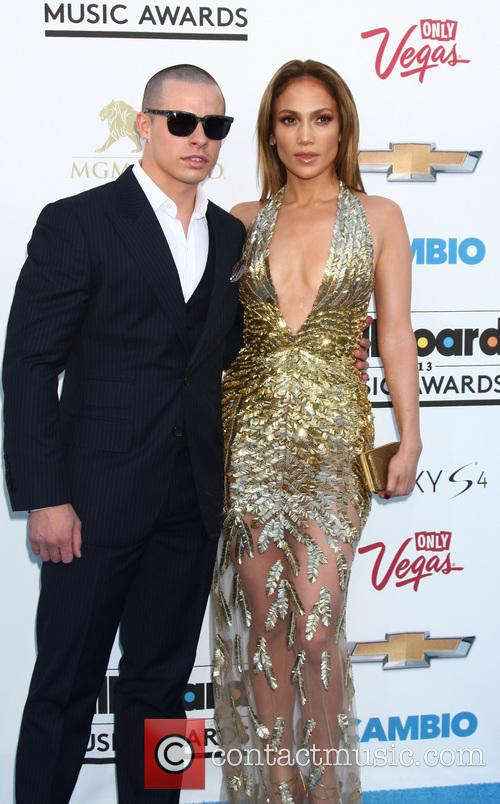 Casper Smart and Jennifer Lopez 3