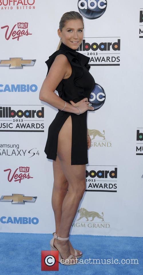 Kesha at the 2013 Billboard Music Awards