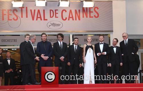 Garrett Hedlund, Joel Coen, Oscar Isaac, Carey Mulligan, Justin Timberlake, Ethan Coen, John Goodman and T-bone Burnett 1