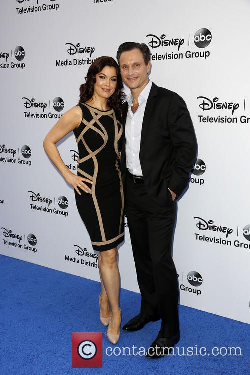 Bellamy Young and Tony Goldwyn 4