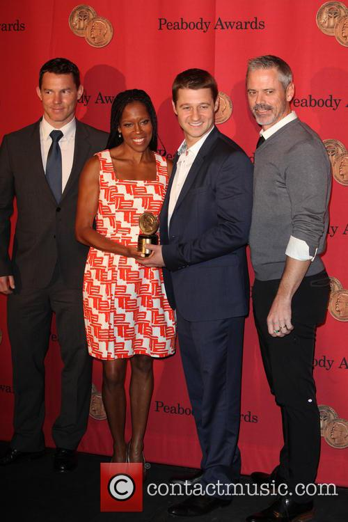 Shawn Hatosy, Regina King, Ben Mckenzie and C. Thomas Howell