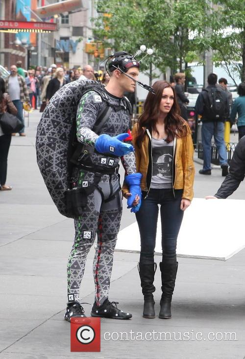 Alan Ritchson and Megan Fox 7