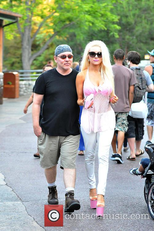Courtney Stodden and Doug Hutchison 4