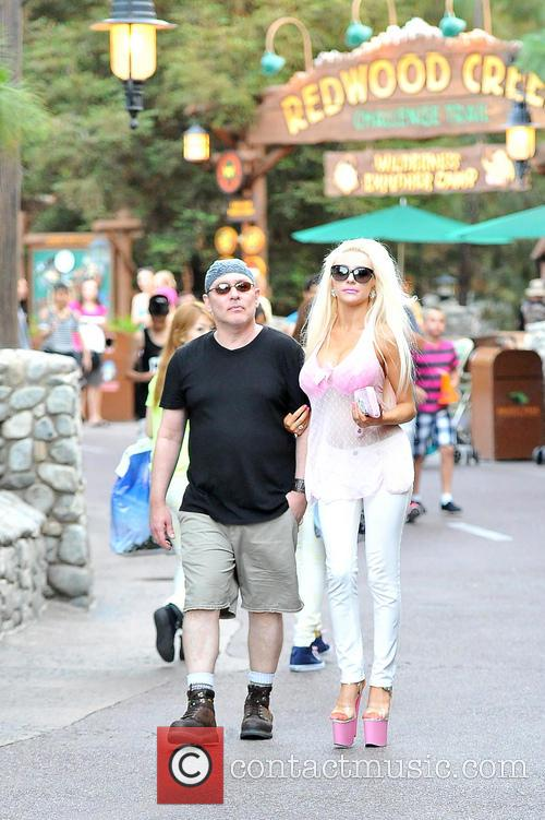 Courtney Stodden and Doug Hutchison 13