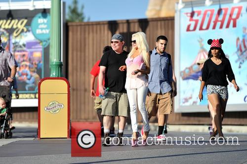 Courtney Stodden and Doug Hutchison 16
