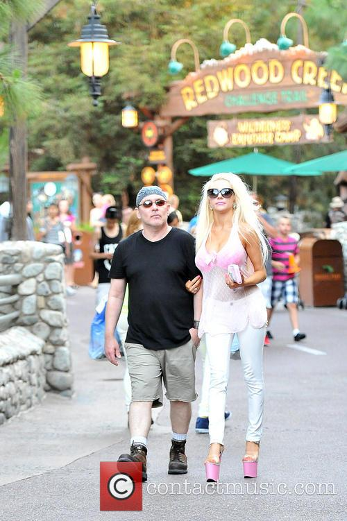 Courtney Stodden and Doug Hutchison 26