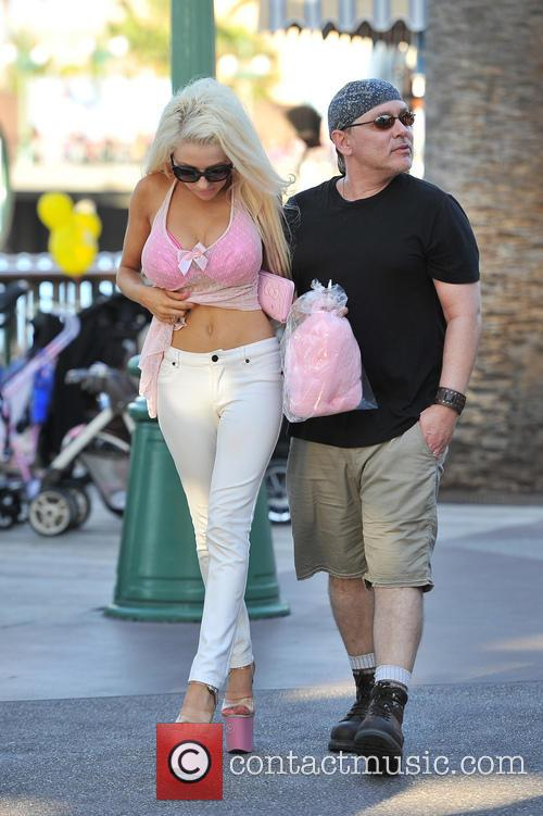 Courtney Stodden and Doug Hutchison 28