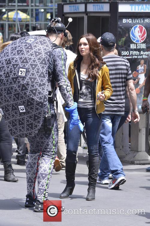 Megan Fox and Alan Ritchson 3