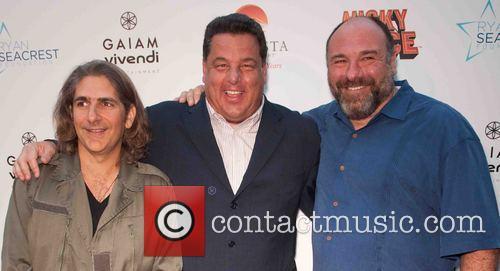 Michael Imperioli, Steve Schirripa and James Gandolfini 5