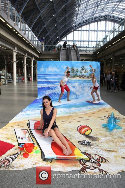 Life's a 3D Beach at St Pancras International...