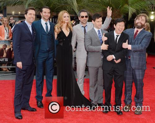 Ed Helms, Bradley Cooper, Heather Graham, Todd Phillips, Justin Bartha, Ken Jeong and Zach Galifianakis 4