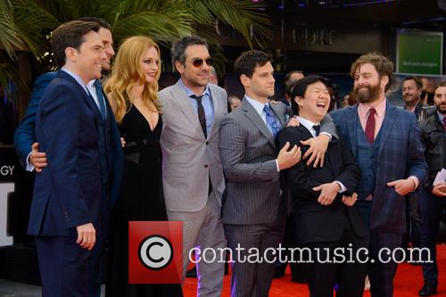 Zach Galifianakis, Justin Bartha, Ed Helms, Heather Graham, Bradley Cooper, Ken Jeong and Todd Phillips 4