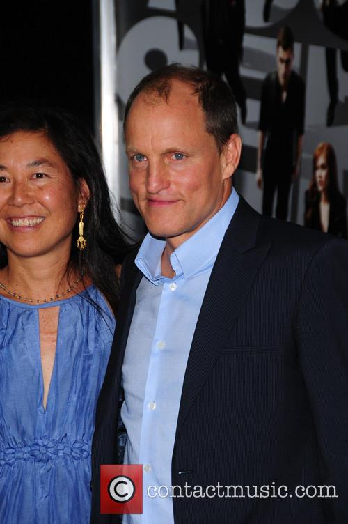 Laura Louie and Woody Harrelson 8