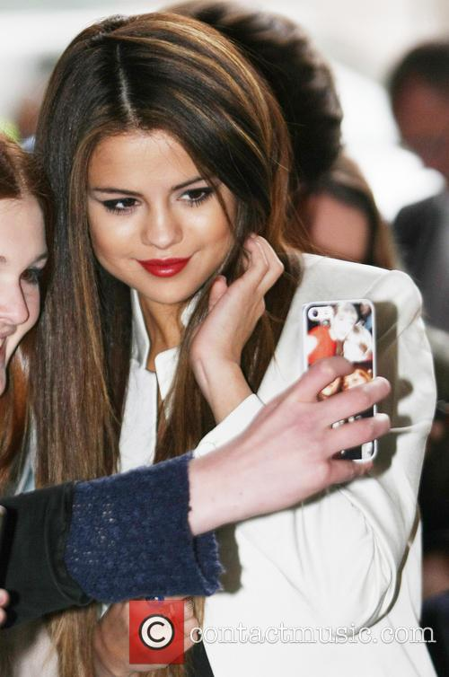 Selena Gomez Releases Details For 'Stars Dance' And A New Track To Go ...