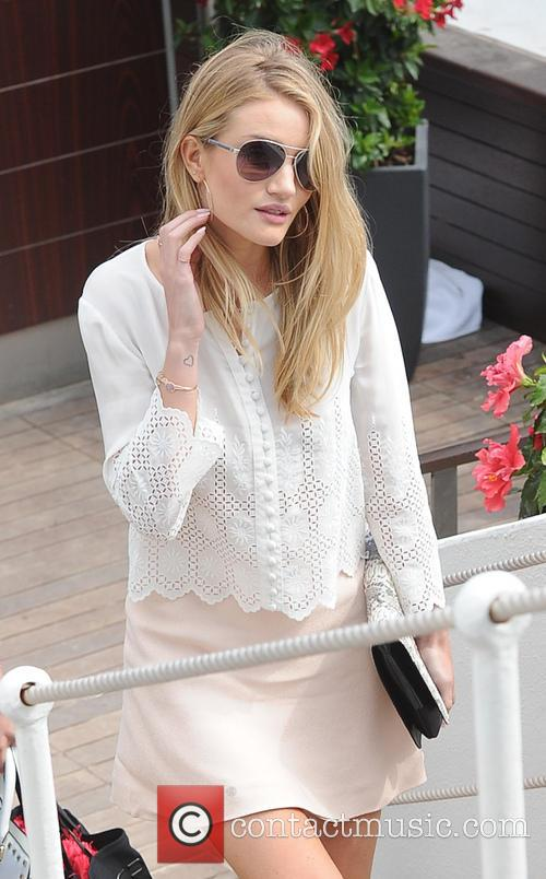 Rosie Huntington Whiteley 5
