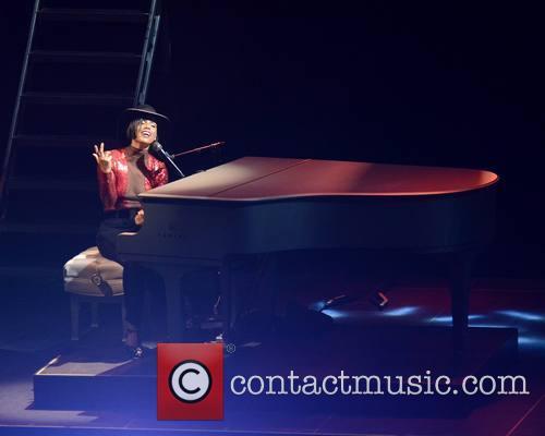 Alicia Keys 9