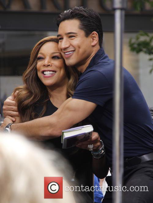 Wendy Williams and Mario Lopez 7