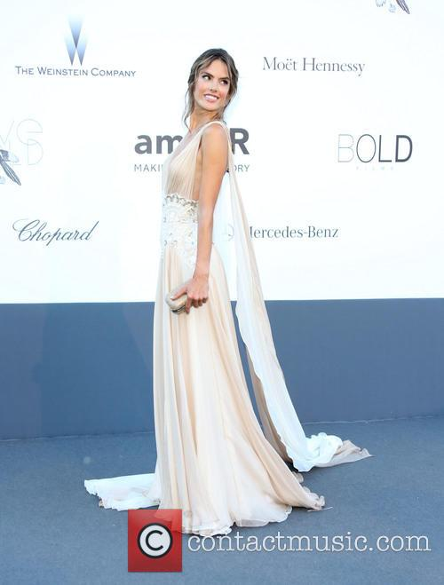 Alessandra Ambrosio 4