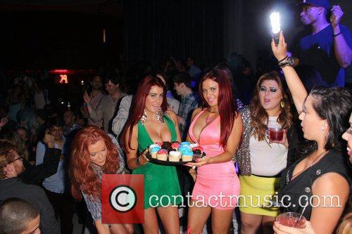 Angelica Bridges, Melissa Howe and Carla Howe 4