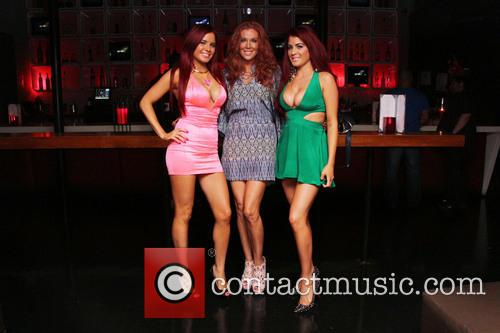 Carla Howe, Angelica Bridges and Melissa Howe 7