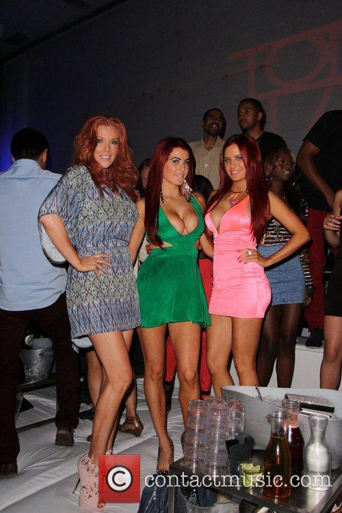 carla howe, angelica bridges and melissa howe 6