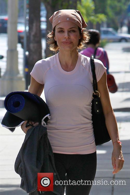 Lisa Rinna leaving a yoga class