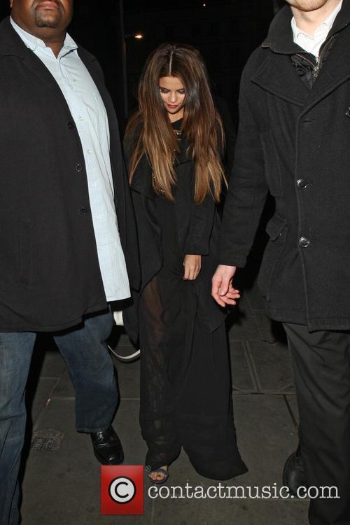 Selena Gomez, Boujis