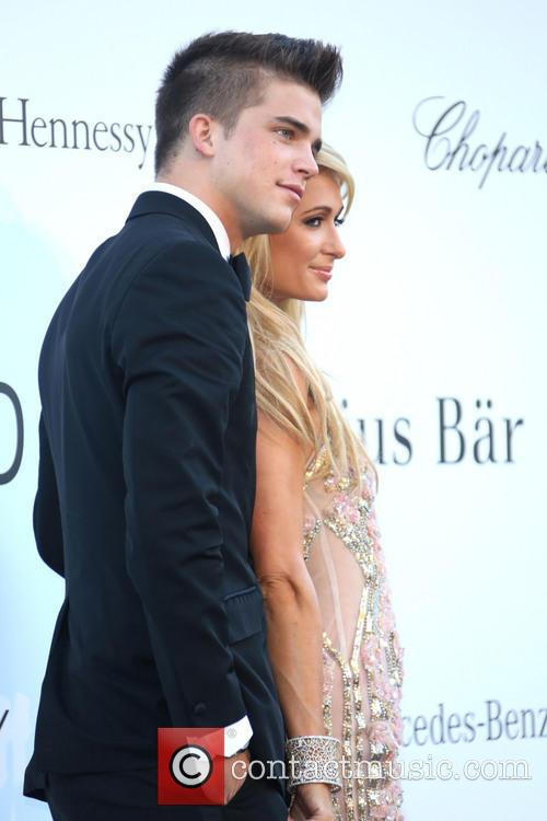 Paris Hilton and River Viiperi 5
