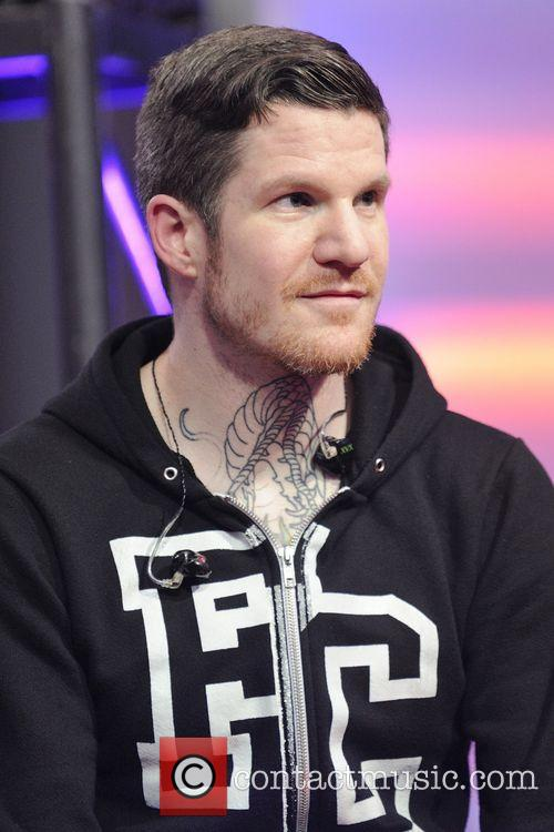 andy hurley fall out boy on live 3684932