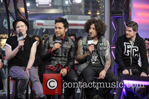 Patrick Stump, Peter Wentz, Joe Trohman and Andy Hurley 9