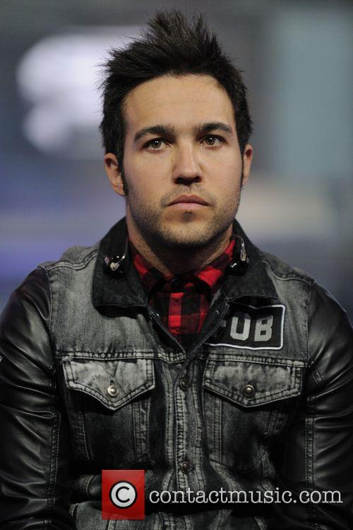 pete wentz fall out boy on live 3684941