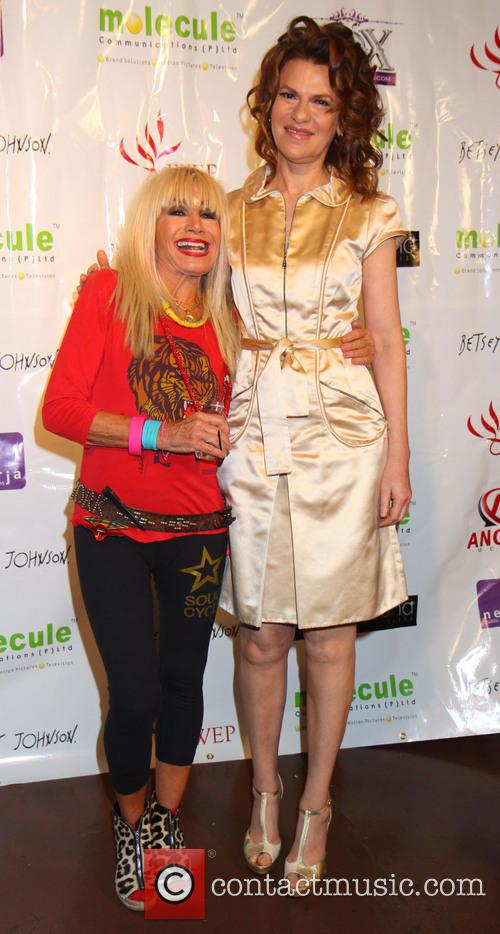 Betsey Johnson and Sandra Bernhard 6
