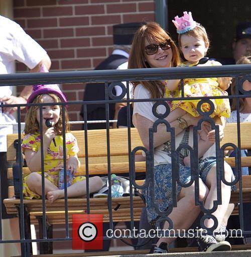 Alyson Hannigan, Keeva Jane Denisof, Satyana Marie Denisof, Disneyland