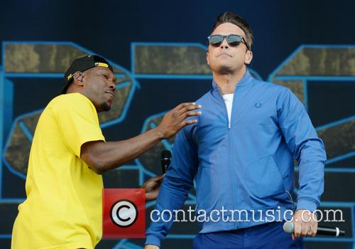 Robbie Williams and Dizzee Rascal 6
