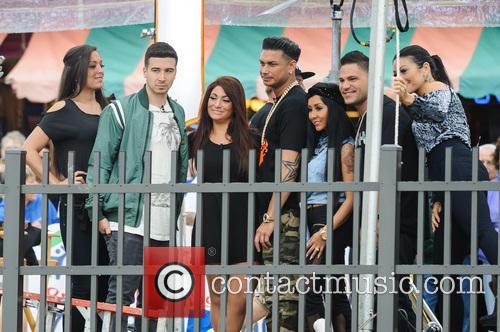 Ronnie Ortiz-magro, Vinny Guadagnino, Pauly Delvecchio, Sammi Giancola, Jenni 'jwoww' Farley and Nicole 'snooki' Polizzi 2
