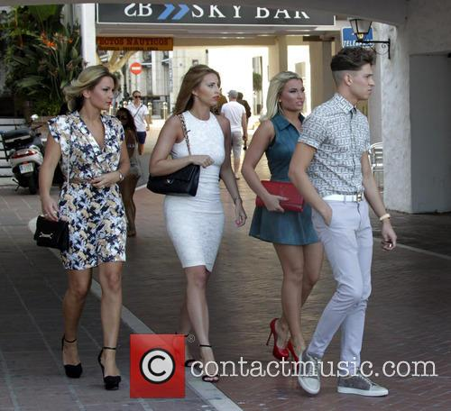 Sam Faiers, Joey Essex and Billie Faiers 3