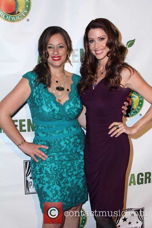 Kelly Vlahakis-hanks and Shannon Elizabeth 2
