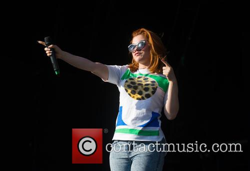 katy b as one in the park 3689509