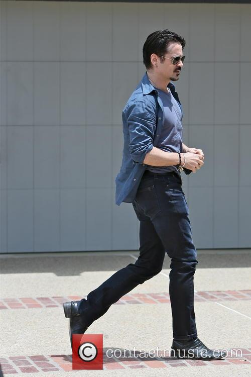 colin farrell celebrities arriving at joel silvers 3690038