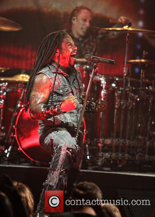 Sevendust and Lajon Witherspoon 8